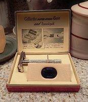 Gillette 1947 Super Speed Razor Box Contents Complete.JPG
