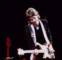 Paul-McCartney-Wings-Over-America-Tour-1976.jpg