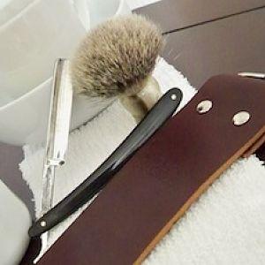 straight razor setup shot