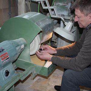 11. buffing and polishing the handle