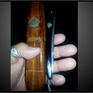 Puma straight razor with case